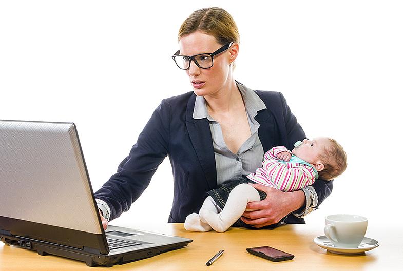 Autónomos y padres. Baja por maternidad o paternidad (I)